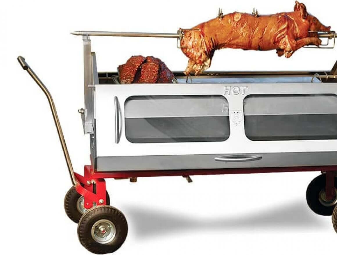 Baviator Méchoui with finished pig roast